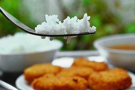 Jak gotować ryż, żeby nie szkodził? To wcale nie jest takie oczywiste!