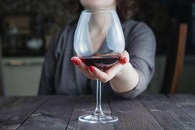 Naukowcy określili ilość alkoholu, która wystarczy, aby zwiększyć ryzyko raka piersi