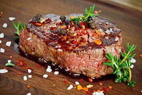 Rumsztyk – różne warianty dania, dodatki, sposób przyrządzenia