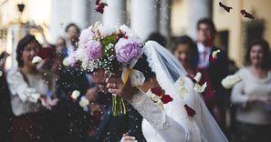Stawki za ślub kościelny 2020. Niektóre zwalają z nóg