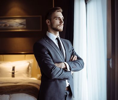 Męska elegancja w atrakcyjnej cenie. Wybierz stylowy garnitur na różne okazje