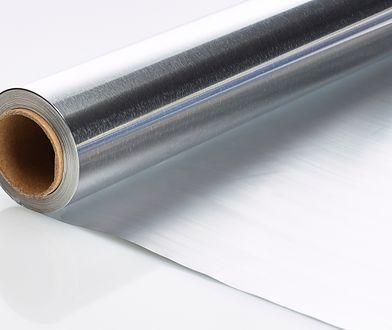 Nietypowe zastosowania folii aluminiowej. Zdziwisz się, w jaki sposób możesz ją wykorzystać