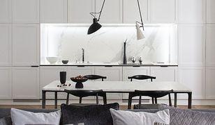 Elegancki apartament przy Noakowskiego. W świecie ponadczasowej bieli i czerni