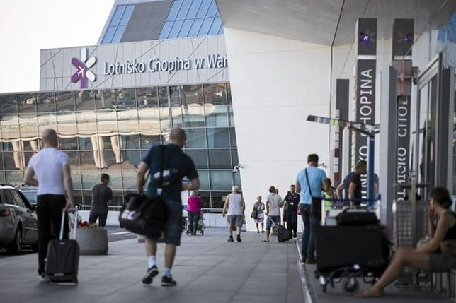 Lotnisko Chopina: czy to koniec z wysokimi cenami za wodę? Padła ważna deklaracja