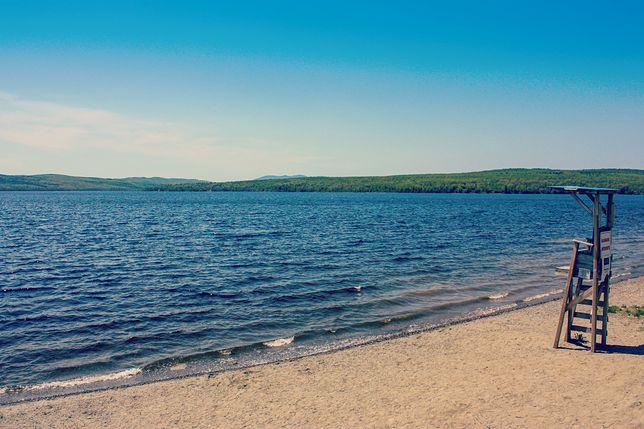 Zdjęcie ze Skorzęcina, jeden z plażowiczów zrobił zdjęcie na plaży
