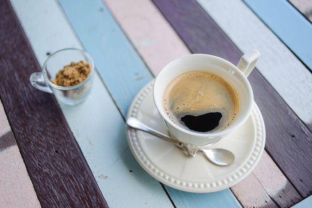 Dodatki do kawy, które niweczą jej właściwości zdrowotne