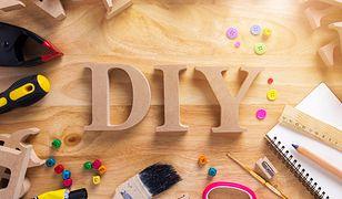 Planując wykonanie zabawki DIY dla psa, należy pamiętać o wybieraniu jedynie bezpiecznych dla zwierzęcia materiałów
