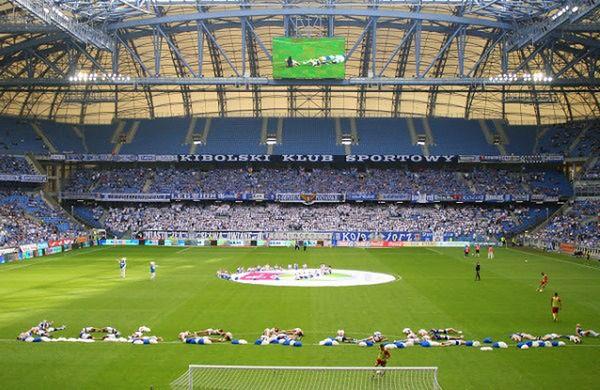 Rocznie Lech płaci miastu za korzystanie ze stadionu 600 tys. zł czynszu.