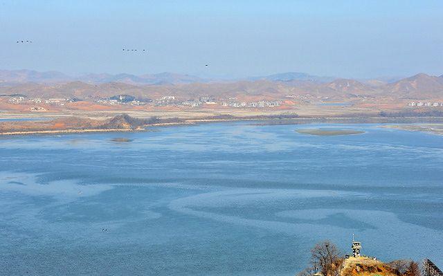 Korea Płn. zawiesza współpracę gospodarczą z Koreą Płd.