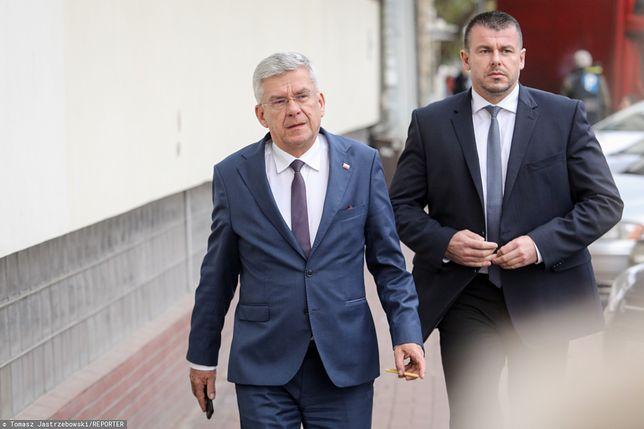Marszałek Senatu Stanisław Karczewski w drodze na posiedzenie Komitetu Wykonawczego PiS