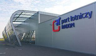 Lotnisko w Radomiu jak skarbonka bez dna. Prosi o kolejne pieniądze