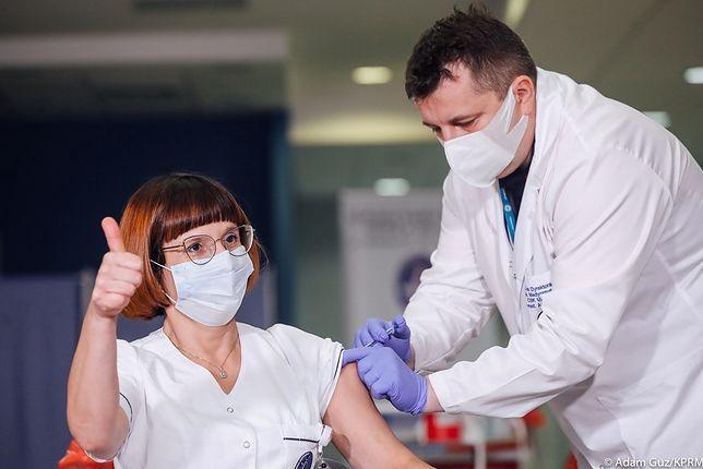 Szczepionka na COVID. Pierwsza osoba w Polsce zaszczepiona