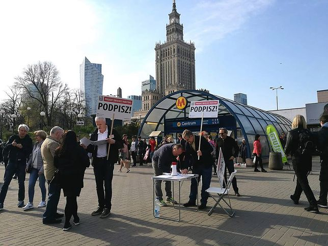 """Uczestnicy inicjatywy """"Świeckie Państwo"""" rozpoczęli zbiórkę 100 tys. podpisów pod projektem ustawy"""
