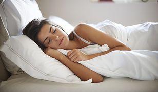 Istnieje kilka prostych sposobów na zaśnięcie.