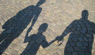 Psycholog kryminalny wyjaśnia dlaczego matki mordują własne dzieci i popełniają samobójstwa.
