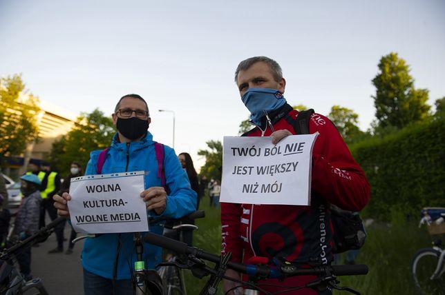 Protest przed budynkiem Polskiego Radia w Warszawie