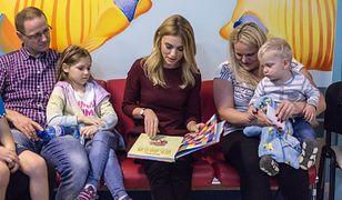 Kasia Tusk kontra Agata Duda. Córka Donalda Tuska i pierwsza dama czytają dzieciom książki