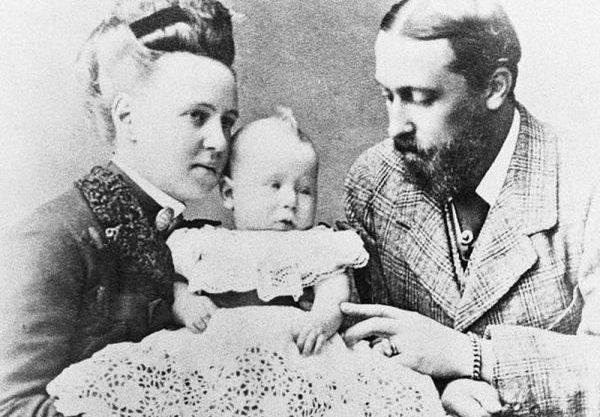 Alfred był żonaty z Marią, córką Aleksandra II. Para miała pięcioro dzieci, w tym jednego syna – również Alfreda, który miał odziedziczyć koronę po ojcu