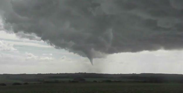 Tak wyglądało tornado w zachodniej Francji