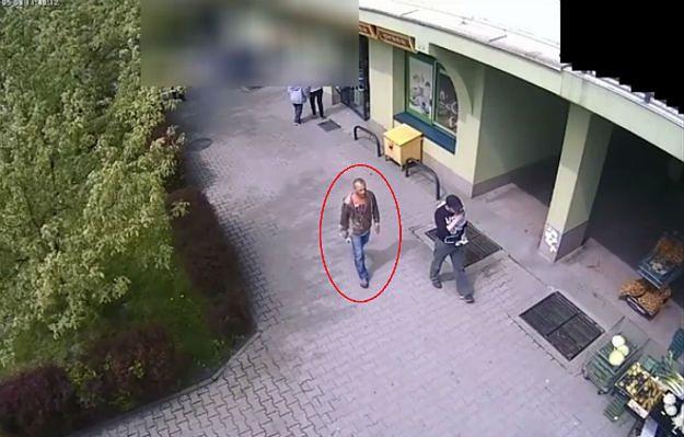 Okradł starszą osobę na dużą kwotę. Policja publikuje jego wizerunek. Rozpoznajesz go?