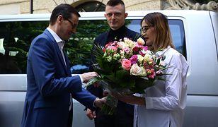 Mateusz Morawiecki z wizytą u sześcioraczków. Przywiózł prezenty