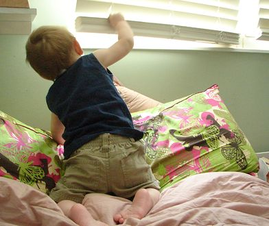 Trzylatek skoczył przez okno, by dołączyć do innych dzieci
