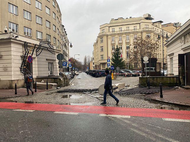 Warszawa. TIR uderzył w bramę przed Kancelarią Prezydenta