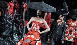 Kim był popularny projektant mody?