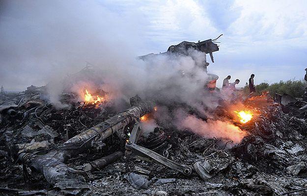 Jedno z agencyjnych zdjęć wykonanych tuż po zestrzeleniu samolotu