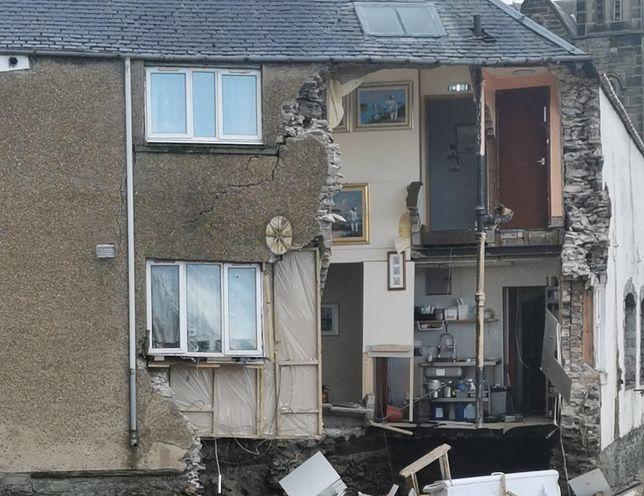 Huragan Ciara sieje zniszczenie. Spowodował osunięcie się ściany pensjonatu w Hawick