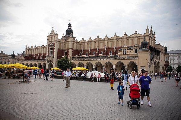 Wystawa o odmienionym Krakowie na Rynku Głównym