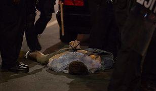 Zamieszki w Saint Louis. Atak na policjantów