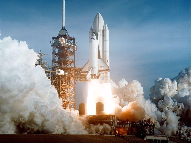 Pierwszy załogowy start promu kosmicznego. Startuje wahadłowiec Columbia, 1981 r.