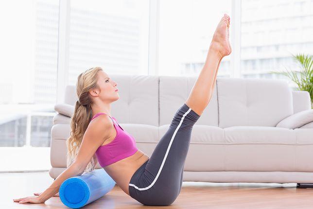 Wałek do masażu eliminuje potreningowe bóle mięśni i stawów.