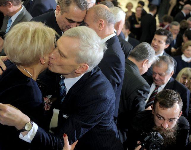 Noworoczne i świąteczne życzenia parlamentarzyści złożyli sobie wzajemnie podczas spotkania w gmachu Sejmu 22 grudnia