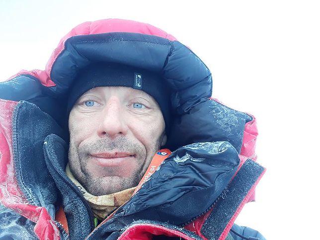 Dariusz Skolimowski od lat aktywnie uczestniczy w wielu sportowych formach – od biegów po triathlon, wspina się również na górskie szczyty