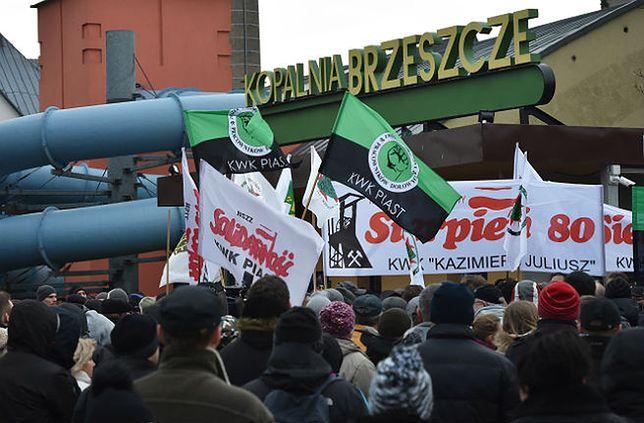 Blokada drogi przy KWK Brzeszcze. Zaostrza się protest górników