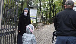 Wszystkich Świętych w cieniu koronawirusa. Kwesta pod znakiem zapytania z powodu pandemii (aldg) PAP/Tomasz Gzell