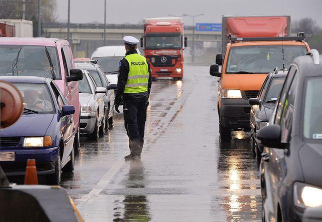 Koszmarny wypadek na autostradzie A4 pod Bolesławcem. Ominął policję i zginął