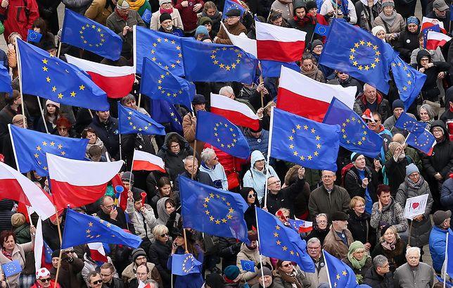 Czy Polacy jeszcze ufają Unii Europejskiej? Ten sondaż mówi całą prawdę