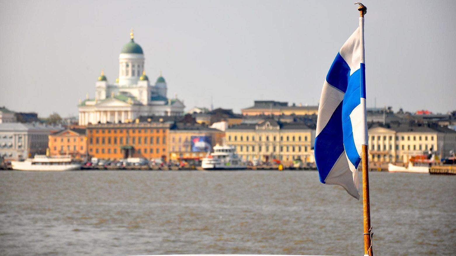 Odśpiewać hymn, założyć start-up. Polska szkoła nie ma startu