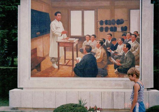 """Artur Nowaczewski, autor książki """"Dwa lata w Phenianie"""", jako 11-latek w Korei Północnej"""