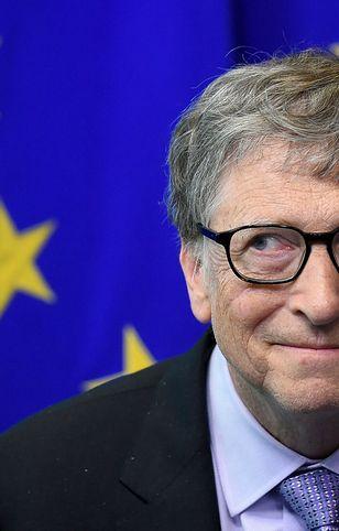 Bill Gates przyjął pierwszą dawkę preparatu przeciwko COVID-19