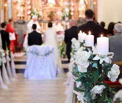 Czy wypada włożyć białą sukienkę na ślub? Odpowiedź wydaje się oczywista