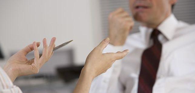 Jak poznać zamiary szefa? Niektóre zdradzi mowa jego ciała