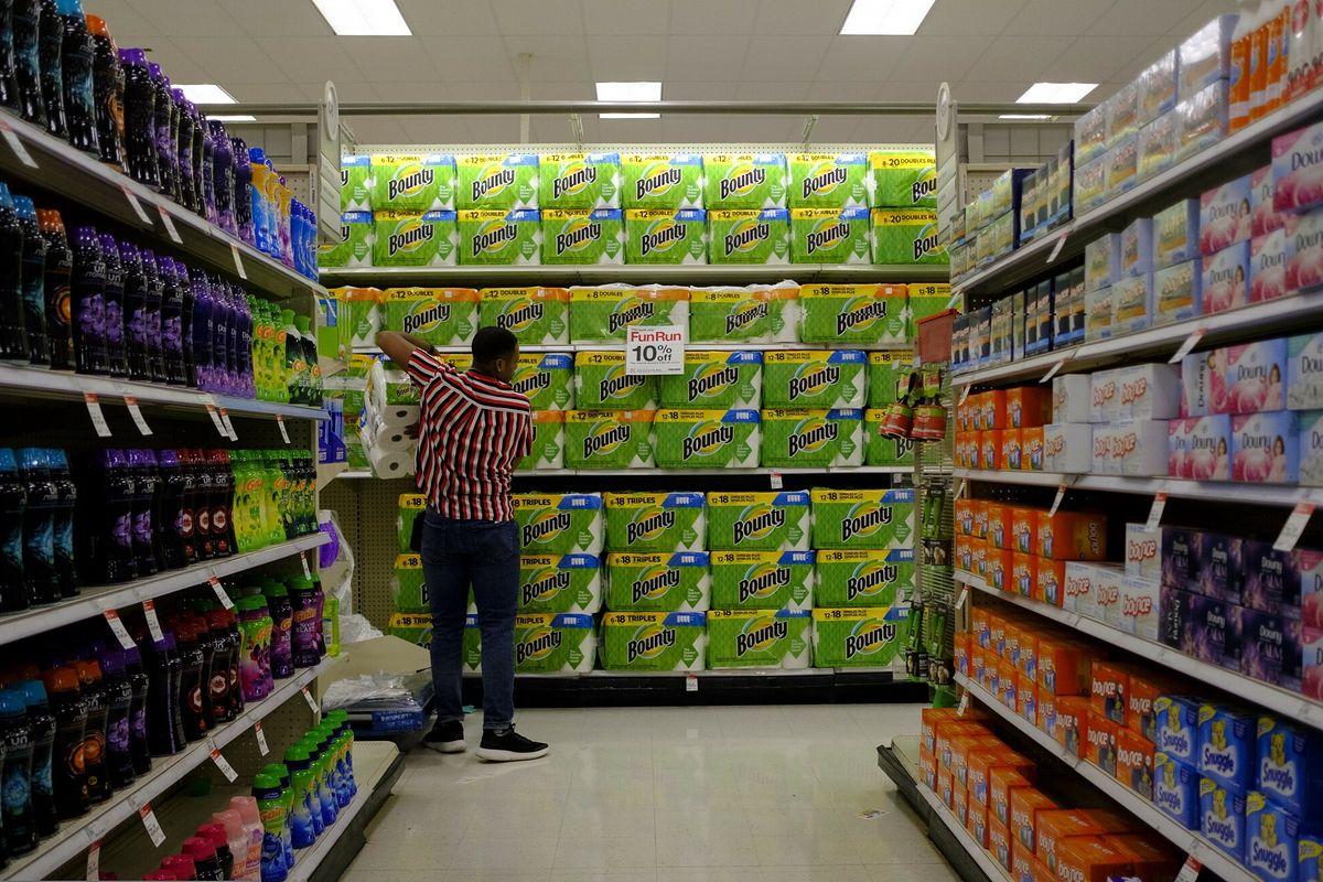 USA. Wprowadzono limit na zakup papieru toaletowego w sklepach Costco