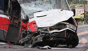 Zderzenie tira z busem na krajowej 4 w Łapczycy. Wielu rannych