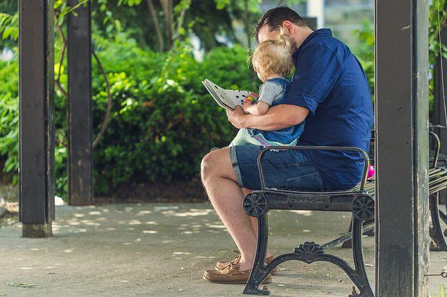 Urlop ojcowski można wykorzystać w ciągu 2 lat od narodzin dziecka.