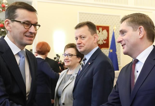 Premier Mateusz Morawiecki i Bartosz Kownacki