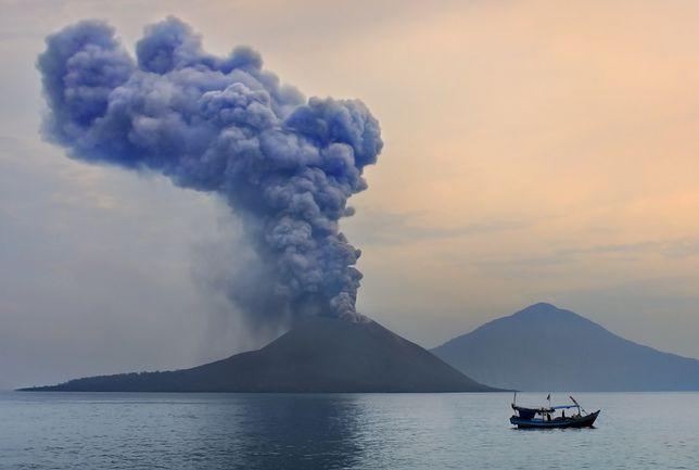 Złowieszczy pierścień ognia. W jego strefie znajduje się m.in. Indonezja